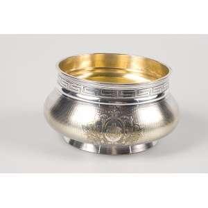 Bowl de metal prateado e guilhochado de Christofle. <br />15 cm de diâmetro x 9,5 cm de altura.