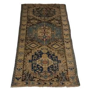 Tapete Shirvan antigo, caucasiano, 227 x 120 cm.