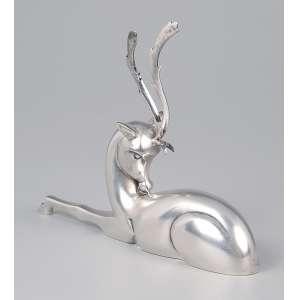 Paliteiro de prata art deco, alce em descanso. 14 x 11 cm de altura. Portugal, séc. XX.