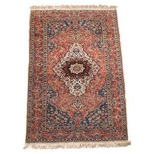 Tapete Saruk antigo. Persa. Irã, 205 x 142 cm.