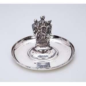 Despojador de metal prateado de Christofle, circular, pega em escultura assinada. Dali. <br />12 cm de diâmetro x 9 cm de altura. França, séc. XX.