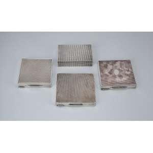 Conjunto de quatro caixas toucador, de prata guilhochada. - 7,5 x 7,5 cm. - Europa, séc. XX.