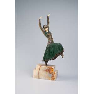 CHIPARUS, Demetre Vested Dancer. Escultura de bronze e marfim sobre base de ônix. 55 cm de altura. Assinada na base. França, c. 1935. Reproduzida em Master of Art deco, de Alberto Shayo, na pág. 111.