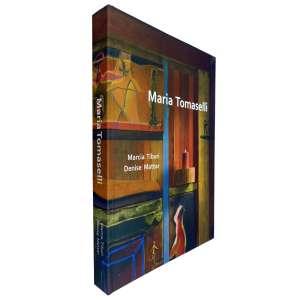 MARIA TOMASELLI – Livro de exposição amplamente ilustrado. Há muito o que se conhecer e se aprofundar na arte de Maria. Este livro surgiu para justamente preencher esta lacuna para aqueles que tem curiosidade e necessidade de consulta e informação sobre o seu trabalho artístico. jp<br />1495g; 29x21 cm; 271 págs.; sobrecapa acompanha capa dura; inclui cd; livro bilíngue: português e inglês <br />