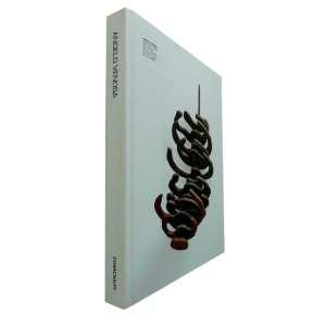 ANGELO VENOSA - Esta publicação apresenta o trabalho deste artista que surgiu com a Geração 80 e que nos faz repensar os caminhos da escultura brasileira.<br />1.090g; 27x21 cm; 270 págs.; capa dura; português/inglês<br />