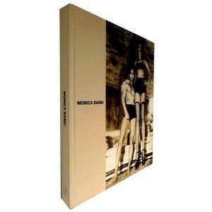 MONICA BARKI - Livro muito ilustrado que apresenta a obra desta artista contemporânea. Ao reunir exemplos mais significativos de todos os períodos da artista, este projeto contemplará o visitante e o leitor com a desenvoltura e a consciência de Monica Barki que exercita-se confortavelmente na utilização de suportes que vão desde o tradicional desenho até os chamados novos meios, como o vídeo, transcendendo-os para compor um universo único.<br />1500g; 30x24 cm; 208 págs.; capa dura; português/inglês<br />