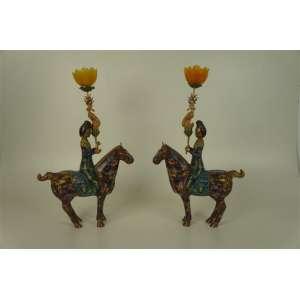 Par de cavalos e seus respectivos cavaleiros executados em esmalte cloisonee - 44 cm de alt, 28 de comp e 8 de prof.China Séc XX