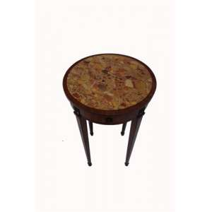 Mesa auxiliar de madeira marchetada e tampo de mármore .Inglaterra Séc XIX- 73 cm de alt, 46 de diâm.