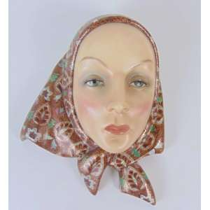 LENCI - Mascara feminina de porcelana - 29 cm de alt, 24 de comp e 12 de prof. Itália Séc XIX