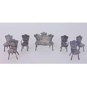 Conjunto de miniaturas de prata de lei. Maior com 11 cm de alt e menor com 4 cm de alt.