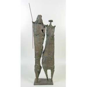 Stockinger - Escultura em bronze representando casal -67 cm de alt, 15 x 8 cm.