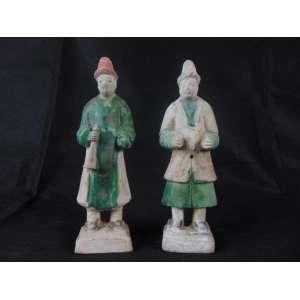 Par de musicos em cerâmica Pearlescent Gren Glaze Dinastia HAN (206 AC - 220 DC) - 23 cm de alt cada. Originário de Importante Coleção de Embaixatriz