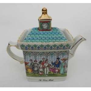 Bule de chá de porcelana inglesa Sadler, modelo Championship´s,The Tennis Match, marcado na base. alt. 17 cm.