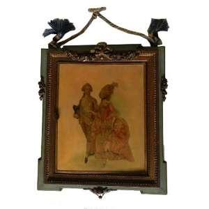 Espelho triptico em madeira patinada de verde, com pintura representando cena galante, medindo 30 X 15cm fechado.