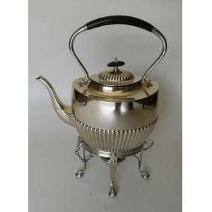 Tea kettle de metal ingles EPNS,banhado a prata, modelo georgiano, alça de côco. alt.37 cm