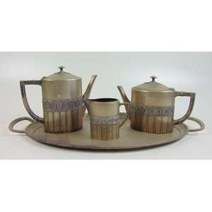 WMF - Conjunto para chá, café e creme, com bandeja em metal (precisa prateação) - As 4 peças com marca do fabricante.