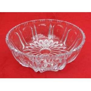 Bowl de cristal nacional, chanfrado medindo 21,5 cm de diametro e 8 cm de altura.