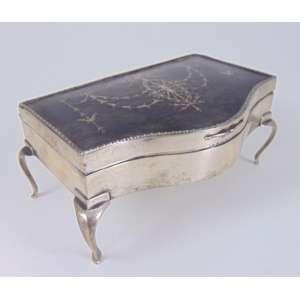 Caixa de prata com detalhes em tartaruga - 8 cm de alt, 18 x 12 cm.