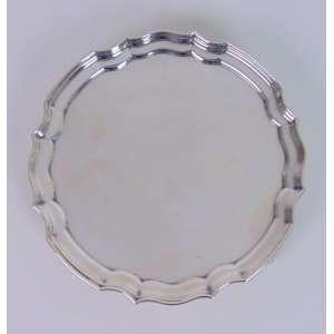 Salva de prata de lei elegante linha , contraste referente a cidade de Londres .Inglaterra Séc XX - 20 cm de diâm.