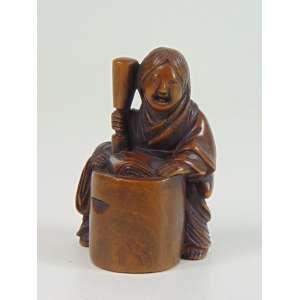 Netsuke de madeira finamente trabalhado . Japão Sec XIX - 4 cm de alt. Coleção Mielenhausen