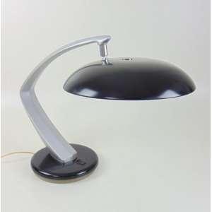 Luminária fase modelo boomerang nas cores pretas e cinza. Apresenta marcas do tempo na estrutura e pintura. Eletrificação revisada - Espanha 1960. 35 cm de alt e 30 de diâm.
