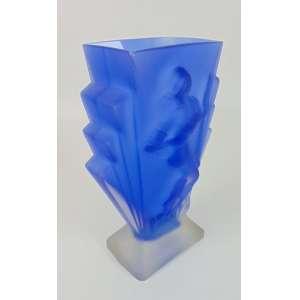 Vaso de vidro azul com mulher em relevo - 29 cm de alt, 13 x 9 cm.