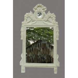 Espelho c/ Moldura de Madeira patinada de branco .