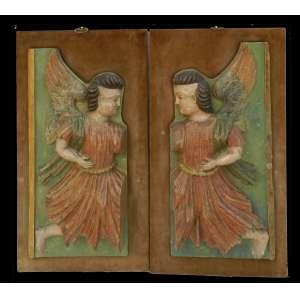 Importante par de talhas finamente lavrdas e policromadas representando Anjos Brasil Séc XVIII 84 x 38 cm