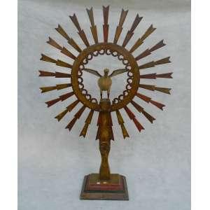 Divino Espirito Santo - madeira - 124 cm de alt, 86 de diâmetro