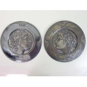 Par de medalhões de metal, estilo e época Art Noveaux - 39 cm de diametro