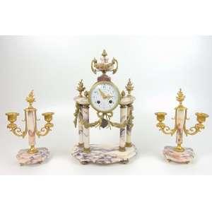 Garniture de mármore e bronze - Relógio 39 x 25 cm e candelabro 26 x 17 cm.