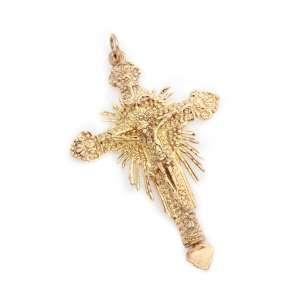 Crucifixo/relicário de prata de lei dourada. Brasil. Cerca de 8,7cm e 34,9g.