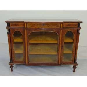 Elegante biblioteca de madeira marchetada - Inglaterra Séc XIX - 92 cm alt, 123 de comp e 45 de prof.