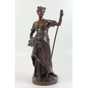 A.LANSON - Escultura de bronze representando jovem , - Fundição Barbedienne. Alfred-Désiré Lanson naît le 11 mars 1851 à Orléans (Loiret), où son père est potier. Admis à l'École nationale supérieure des beaux-arts de Paris, il y est l'élève de Pierre Louis Rouillard, de François Jouffroy et d'Aimé Millet. Il débute au Salon de 1870 à Paris avec un buste et un médaillon en plâtre. En 1875, il obtient une médaille de troisième classe pour sa statue en plâtre de Diane. En 1876, il obtient le premier grand prix de Rome pour Jason enlevant la Toison d'or et devient pensionnaire de la villa Médicis à Rome jusqu'en 1880. De retour à Paris, après une médaille de première classe au Salon de 1880, il obtient un grand prix à l'Exposition universelle de 1889. Il est nommé chevalier de la Légion d'honneur en juillet 1882 puis promu officier en mai 1895.55 cm de alt
