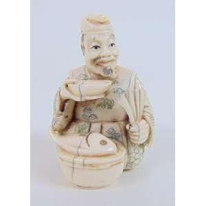 Netsuke executado em fino Marfim - 5 cm alt. Japão Sec XIX
