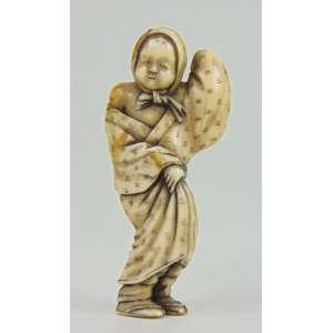 Belo Netsuke de marfim finamente esculpido -Japão Sec XIX - 6 cm de alt. coleção Mielenhausen