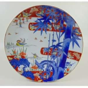 Grande medalhão de porcelana esmaltada decoração padrão Imari - Japão Séc XIX - 37 cm diâm.