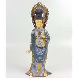 Escultura de cloisonee finamente esmaltado e marfim policromado representando Guainin . China Sec XX -- 47 cm de alt.