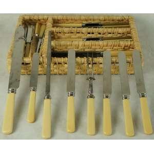 Jogo de facas - 51 peças, cabo de marfim - 24 facas de mesa, 24 facas de sobremesa e 3 peças de servir