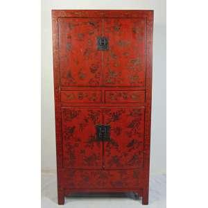Armário de madeira policromada ricamente decorado .China Séc XIX - 183 cm alt, 89 cm compr, 41 cm prof.