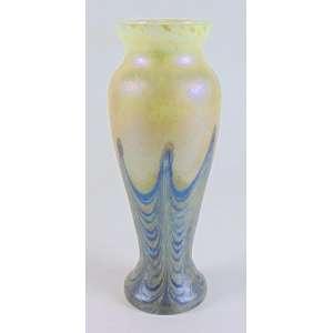 Vaso em vidro Artístico iridescente a maneira Loetz - 28 cm alt, 9 cm diâm.