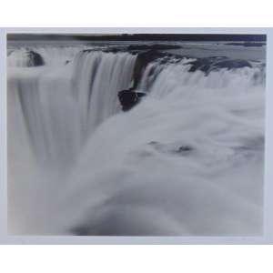 Valdir Cruz - Quedas de Iguaçú - Series VIII, Brazil fotografada e impressa em 2002 Fotografia Edição: 5/25 - 39 x 49 cm / 50 x 60 cm. <br />