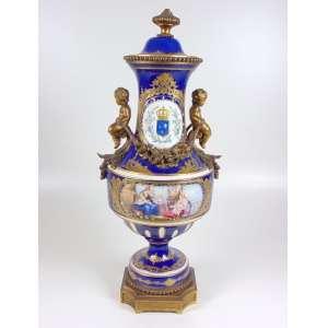 importante Ânfora de porcelana esmaltada, decoração azul Cobalto,alta qualidade , manufatura Sévres - 60 cm alt, 24 cm diâm. França Sec XIX.