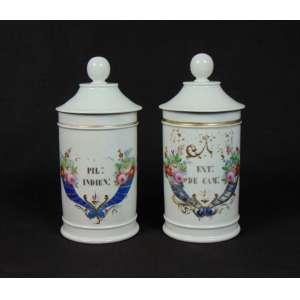 Par de Potes de porcelana esmaltada para artigos de farmácia. Europa Sec XIX . - 27 cm alt, 14 cm diâm.