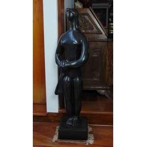 Escultura representando mulher - 105 cm de alt, base de mármore 12 cm de alt.
