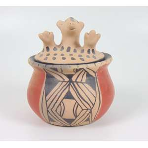 Pote com tampa Zoomorfa - Cerâmica Indígena policromada com pigmentos naturais - Etnia Waurá, Alto do Xingu - 20 x 16 cm diâm.