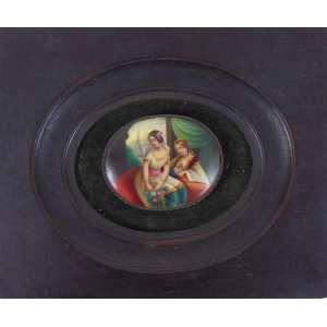 Miniatura em porcelana esmaltada representando figura feminina - Europa Séc.XIX - (no estado) - 6 x 5 cm alt.