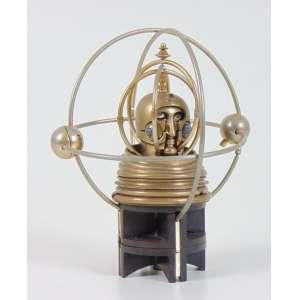 BERROCAL-(1933-2006)- Astronauta escultura em aço numerada e desmontável - 16 cm alt. Rara escultura na qual é um tributo a todos os astronautas, mas foi criado especificamente como uma homenagem a Júlio Verne, e para comemorar o décimo aniversário do primeiro pouso lunar por astronautas americanos. Seis dos elementos que formam a escultura se tornam um maravilhoso foguete.Um dos elementos que formam a base pode ser usado como uma plataforma de lançamento para o foguete
