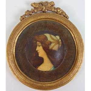 Miniatura representando figura feminina - Europa Séc.XIX - 7 cm diâm.