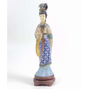 Dignitária em cloisonee e marfim . - 30 cm alt. China Sec XX.